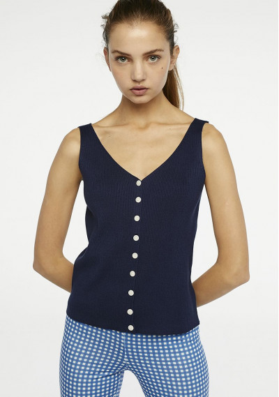 Buttoned navy ribbed top