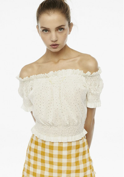 Top blanco bordado hombros
