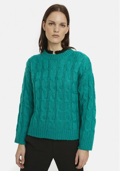 Green cable-knit jumper