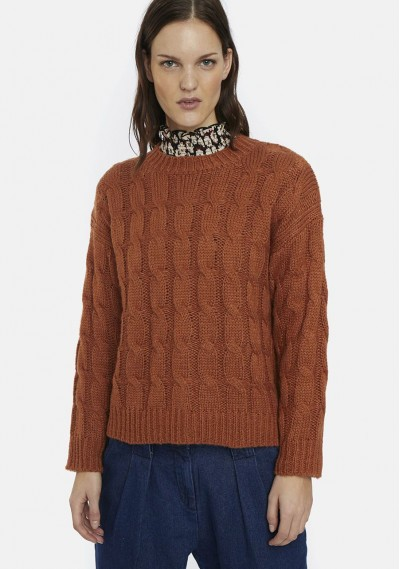 Brown cable-knit jumper