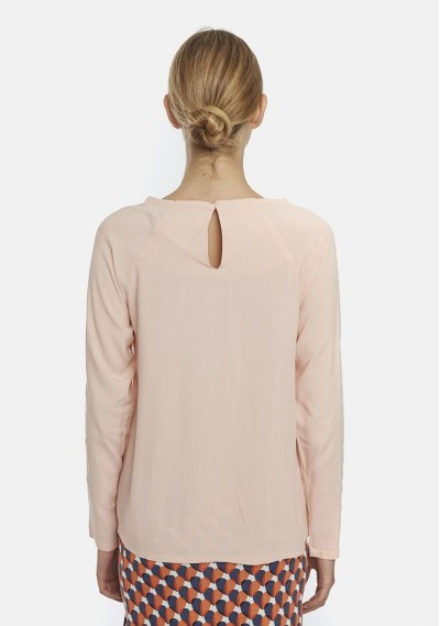 Plain pink top with diagonal ruffles -  Compañía Fantástica