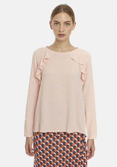 Plain pink top with...