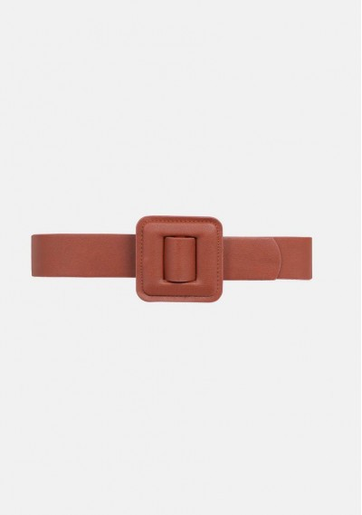 Wide belt with square buckle