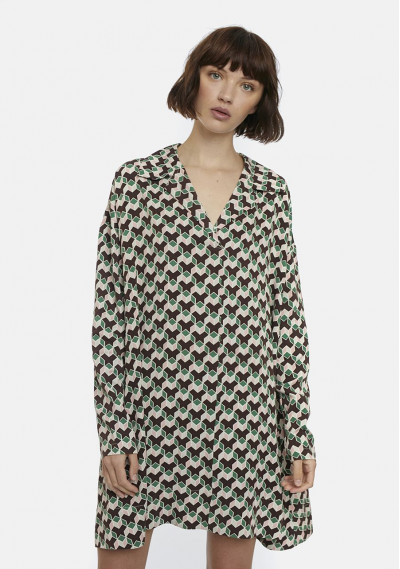 Retro geometric print shirt...