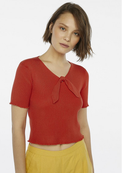 Red ribbed jersey top with bow
