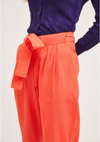 Coral pleated ankle grazer trousers with large bow -  Compañía Fantástica