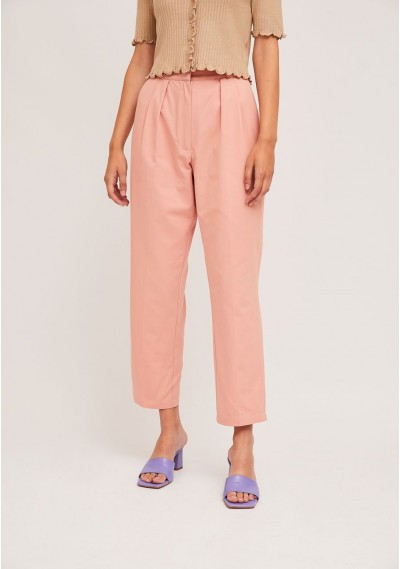 Pink ankle grazer trousers...