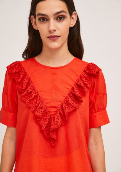 Red top with front lace ruffle -  Compañía Fantástica