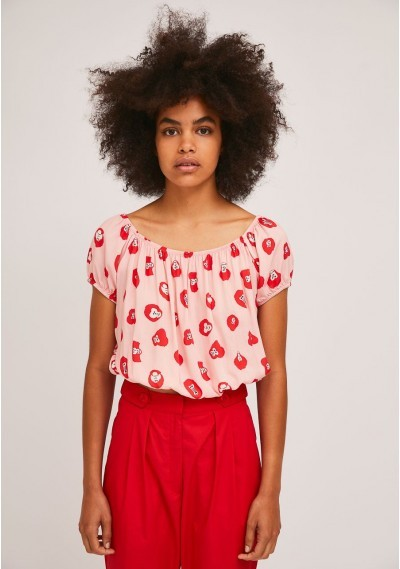 Short top with boat neck...