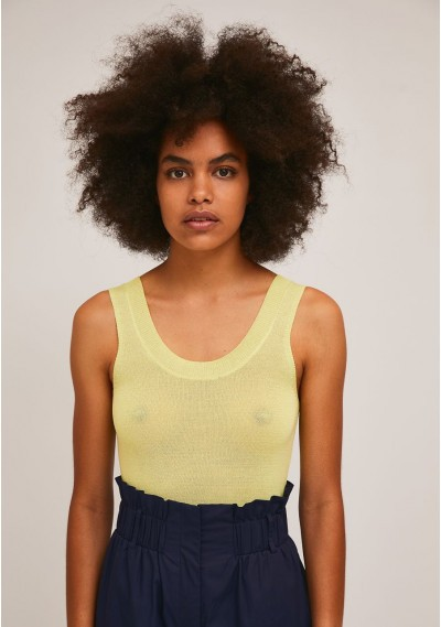 Loose knitted top in yellow...
