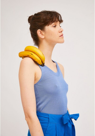 Loose knitted top in blue with wide straps -  Compañía Fantástica