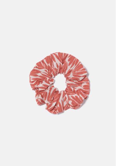 BEACHWEAR   Elasticated scrunchie with red foliage print -  Compañía Fantástica