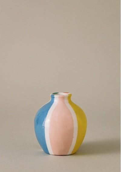 Apple-size ceramic vase with colored stripes -  Compañía Fantástica