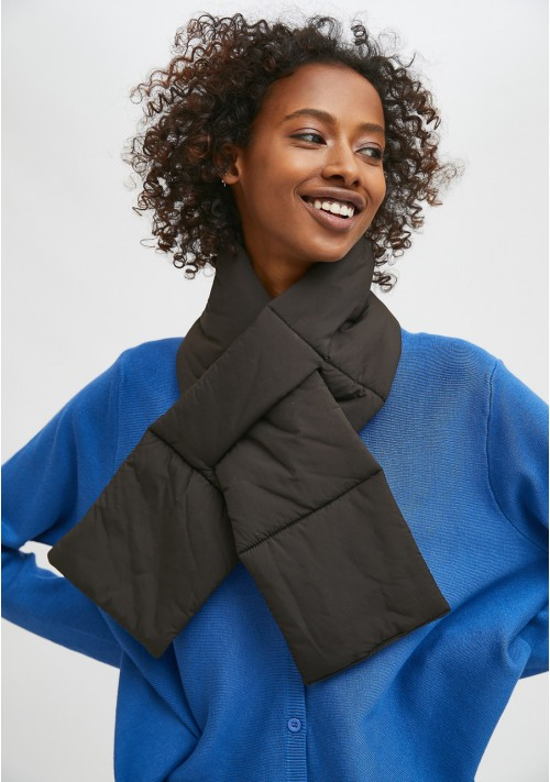 Black padded scarf with loop opening - Compañía Fantástica