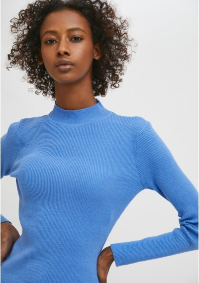 Blue fitted ribbed knit...