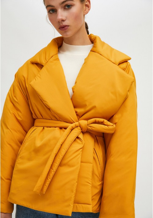 Mustard cropped padded coat with lapel collar and belt - Compañía Fantástica