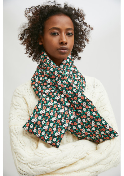 Padded scarf with loop...