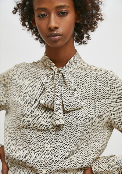 Blouse with tie collar in...