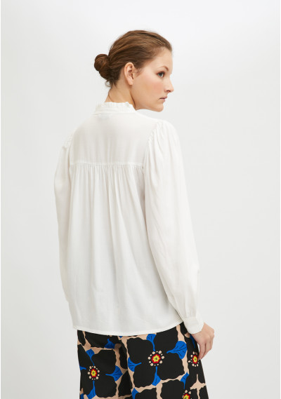 Lightweight blouse with ruched detail and front opening in white -  Compañía Fantástica